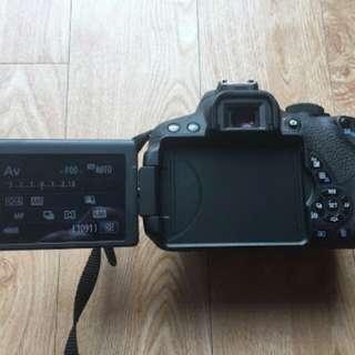 Canon 700d toucscreen flipscreen