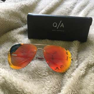 Quay Red/Gold Aviators