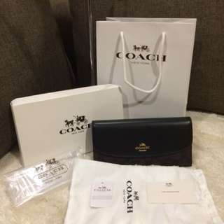 Authentic Coach Wallet Complete With Box and Paperbag
