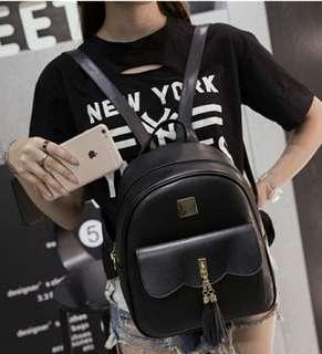 韓版流蘇學院風是。後背包