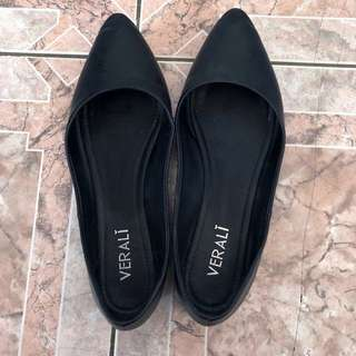 VERALI black flats size 7