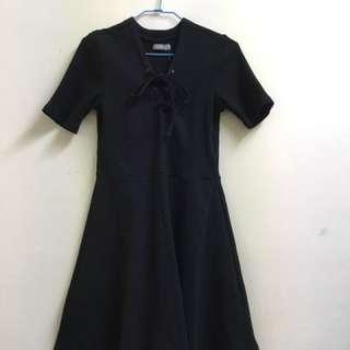 全新6ixty8eight黑色羅紋綁帶洋裝