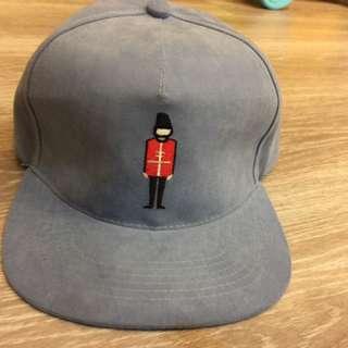 單寧藍板帽