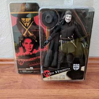NEW UNOPENED V for Vendetta Collective Figurine with Removable Hat and Daggers