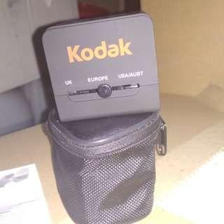 Universal USB Adaptor Perjalanan Serba Guna Ganda Soket AC (Hitam