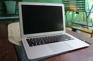 Laptop Apple Macbook Air 13 MD761/ID Bisa cicilan