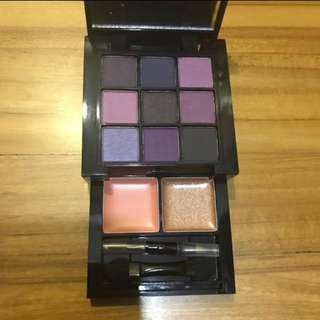 NYX Purple Smokey look kit eyeshadow & lip palette
