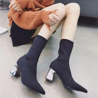 實拍品質保證✨尖頭中筒襪靴
