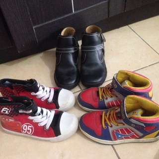 Take all sepatu bermerek Size 29