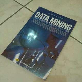 DATA MINING untuk klasifikasi dan klasterisasi data