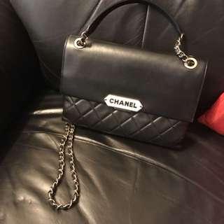 Chanel 羊皮菱格 有咭 有單 全套 90%新 欵式特別 格數好用 少用 好新 無損