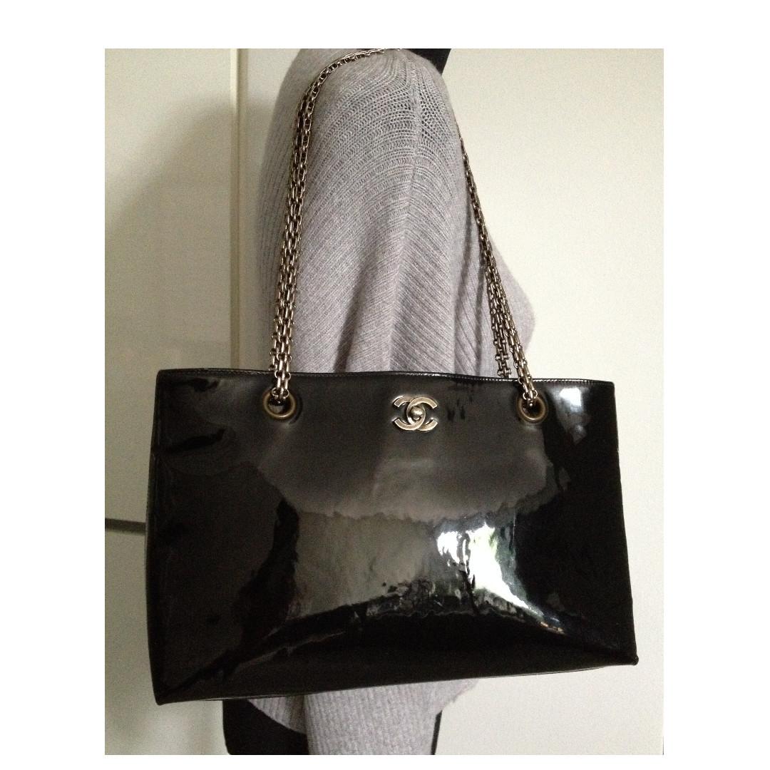 """100% Classic CHANEL Black Patent Leather CC Silver Chain 13"""" Shopper Tote Bag"""