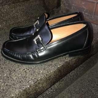 Salvatore Ferragamo leather shoes (original)