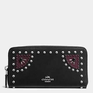 Coach Western Rivets Accordion Zip wallet in Glovetanned Leather