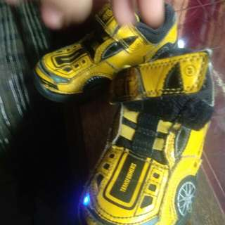 Sepatu anak uk25 stride ride