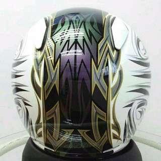 Helmet Shoei pollaris putih