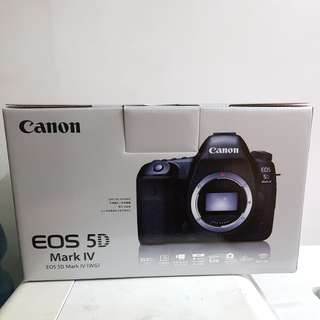 BNIB - Canon 5D Mark IV body