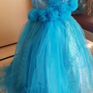 Blue gown for kids