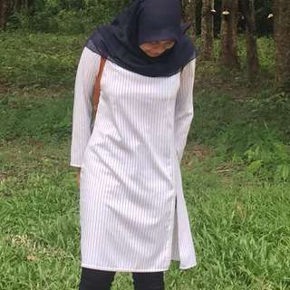 FREE POS LONG STRIPE TOP WITH SLIT