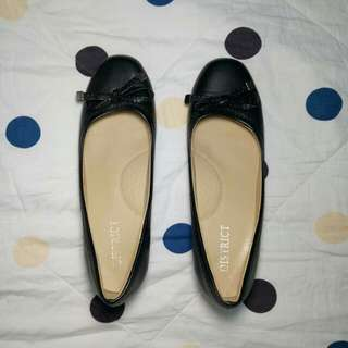 District Black Heels