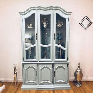 Tiffany Blue China Cabinet (Trastero Azul)