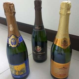 香檳 350元3枝