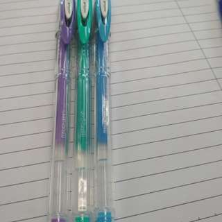 0.7 Uniball Colour pens