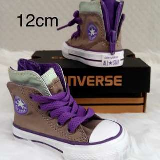 Onhand convers shoes