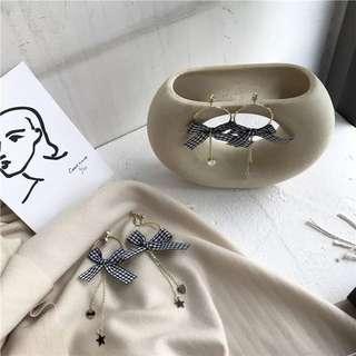 《早衣服》1月心開始❤️甜美個性黑白格紋蝴蝶結幾何圓圈流蘇垂墜耳環耳針耳夾夾式耳環(預)
