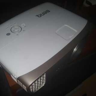 BenQ W2000 1080p Rec.709 Home Movie Projector