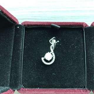 鑽石吊咀 0.56卡 E色 + 12粒細石