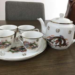 Auspicious tea pot for wedding ( for rent)