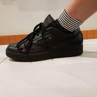 Reebok shoes *free shipping this week*