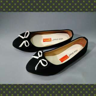 Voice flat shoes
