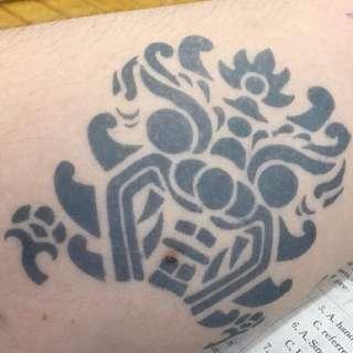 維持2週的紋身果膠  維持2週的紋身果膠。又怕痛但又想試下紋身嘅靚女靚仔,買佢就啱啦❤