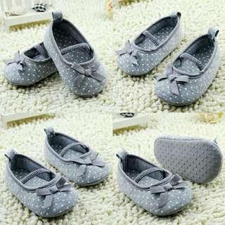 Sepatu anak umur S(0-6bln)M(6-12bln)L(12-18bln)