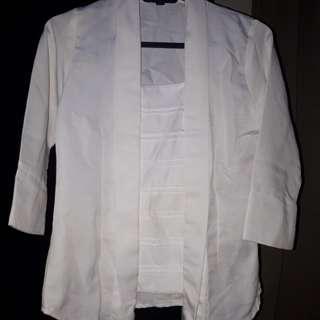 Kebaya kutu baru satu set dengan kain