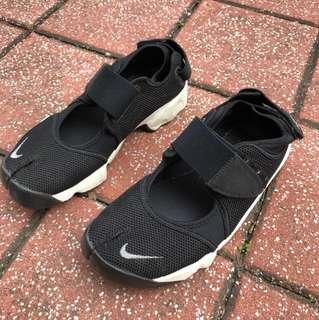 正品Nike忍著鞋