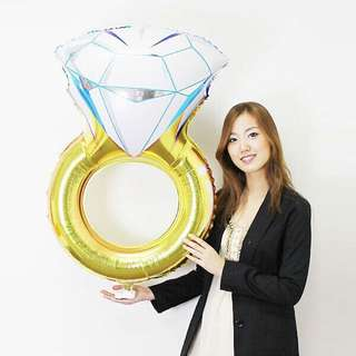 Ring (LARGE) foil balloon