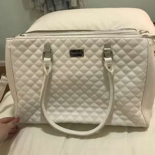 White leather quilted handbag pink interior