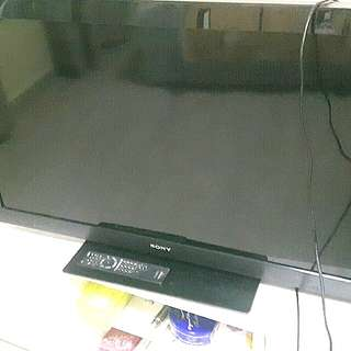 Sony 40-inch LCD TV Television 40CX520