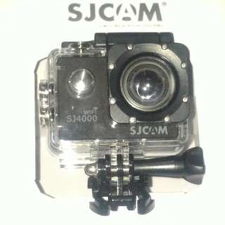 "SJCAM SJ4000 WIFI actionCAM 2.0"" LCD Screen"