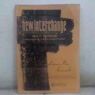Buku New interchange , English For international communication