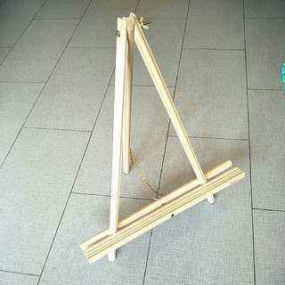 Wooden easel stand (rent/buy)