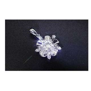 【D-W 香港鑽石世界】《精緻鑽石吊咀》全新18K白金 85份 時尚鑽石吊咀 --- 000336-146