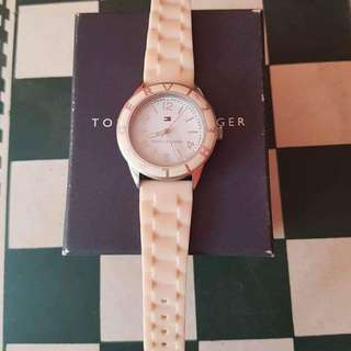 Auth. TOMMY HILFIGER WOMENS WATCH PRELOVED