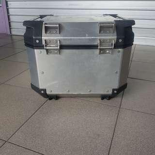 Givi Metal Box 42L