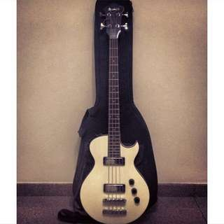 Ibanez ARTB 100 (White Bass)