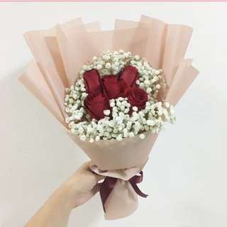 red roses with baby breath valentines day