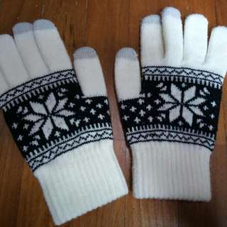 Gloves with touch screen